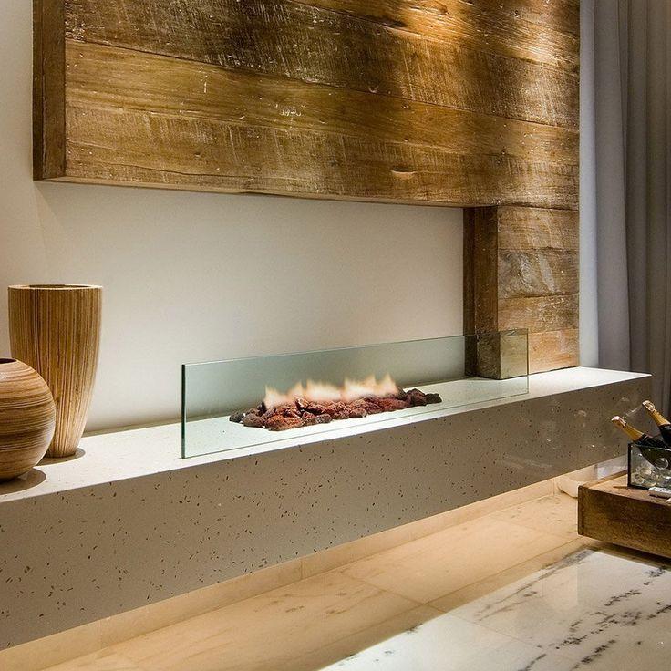 Piccolo camino aperto a bioetanolo di grande classe - bella combinazione di colori e materiali: vetro, legno, marmo e pietra