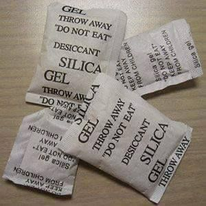 8 Clever Uses for Silica Gel--- I usually just throw them away.. had NO idea you could use them for anything else!!!  When most people get a packet of silica gel in a shoe box or beef jerky packet, their instinct is to toss it. But savvy DIYers have long known that the omnipresent desiccants are good for a lot more than keeping jerky dry. Here are a few uses, including some great tips sent in by readers.  -Use in underwater camera casings Underwater camera casings are great fun, but even if…