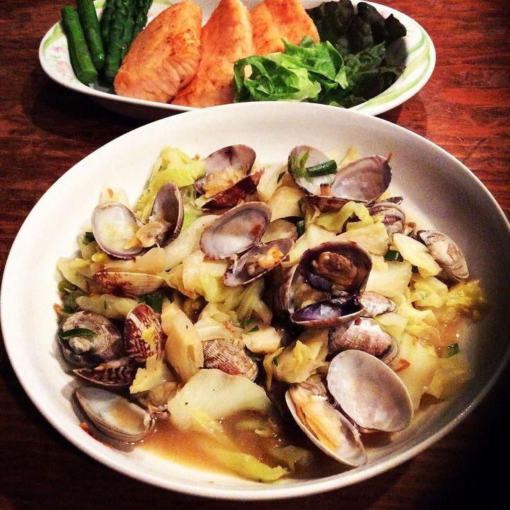 #あさりとキャベツの酒蒸し #Asari and Kyabets no Sakamushi #Clam and cabbage steamed with Sake #clam #cabbages #sakamushi #steamed #sake by paula_tensai_oshitari