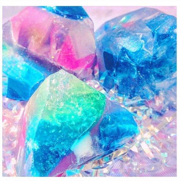 いま女子の間で宝石のような石鹸「サボンジェム」を手作りする人が増えています!お家で簡単に手作りできるので作り方をご紹介します♪