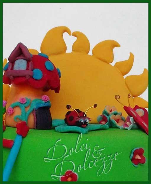 particolare torta di compleanno,animaletti del bosco