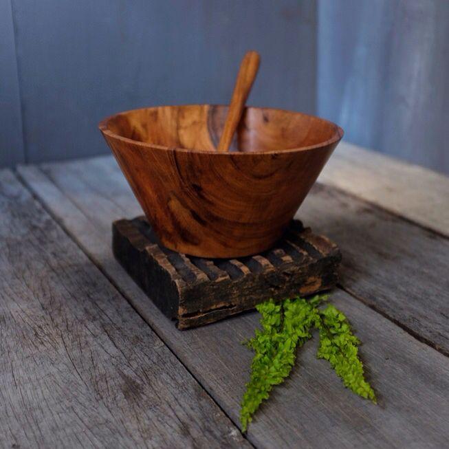 handcraft natural bowl komogai shape ( monkeypod wood / kayu suar )