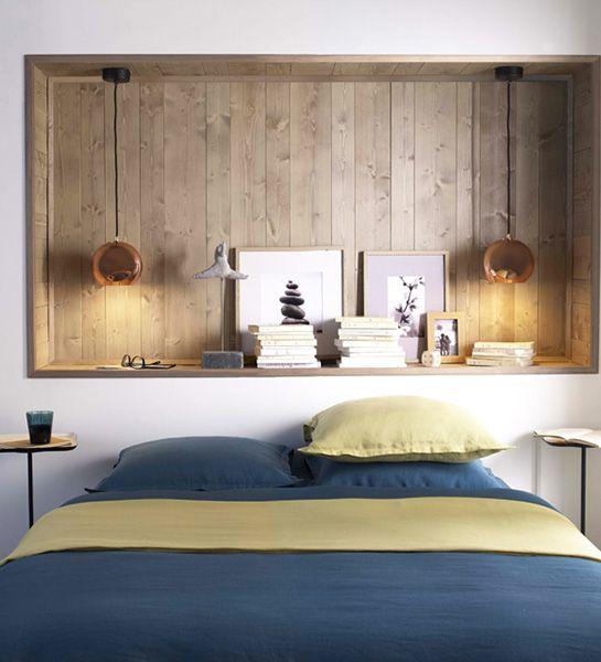 Une niche dans le mur qui en plus d'accueillir vos lectures et objets de décoration fait aussi office de tête de lit. http://www.castorama.fr/store/pages/idees-decoration-facile-tete-de-lit.html