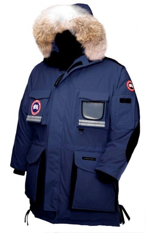Canada Goose Menn Navy Snow Mantra Parka  Detalj:  -Fit: Avslappet Isolert  -Shell: 190gsm, Arctic-Tech, 85% polyester / 15% bomull blanding med DWR  -Fôr: 55gsm, Nylon toskaftbinding behandlet med vannavvisende overflate  -Fyll: 675-bæreevne hvite gåsedun  -Long-lår lengde kutt gir ekstra beskyttelse i ekstremt kalde og vindfulle omgivelser