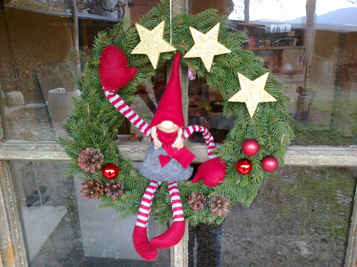 Christmas wreath in red