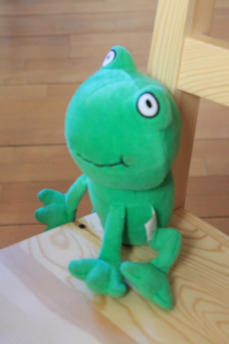 Everybody is invited to the MNAD's workshops, even this smiling green frog