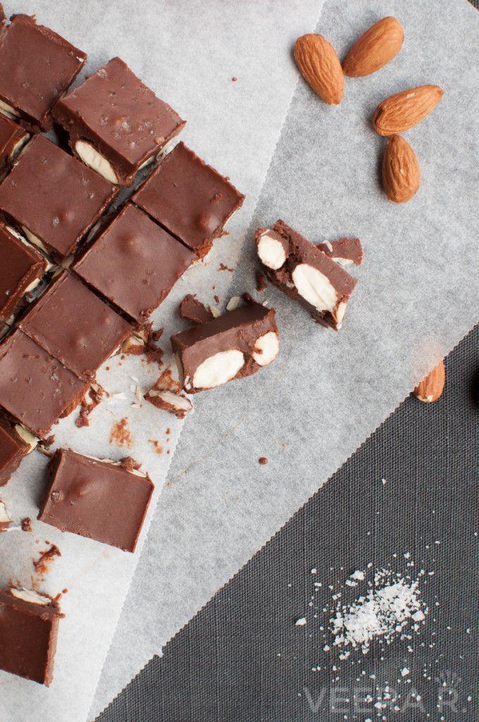 Peanut butter almond chocolate fudge. Raw, gluten free and refined sugar free.