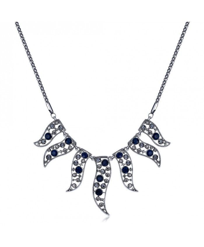 Charming Vintage Platinum Plated Necklace with Chain Crystal Diamonds Pendant
