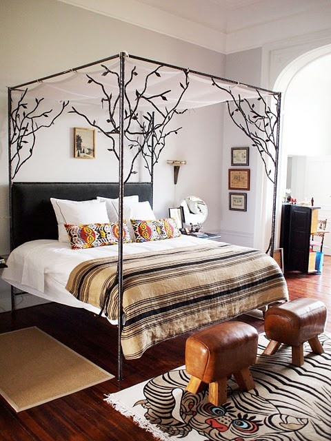 Canopy tree bed