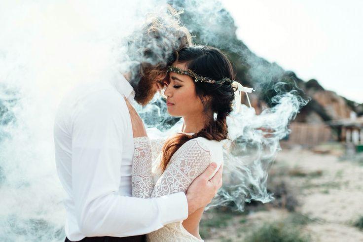 Destination Wedding / Destinationwedding Italy. Coupleshoot with smoke bombs / smokebomb Photography