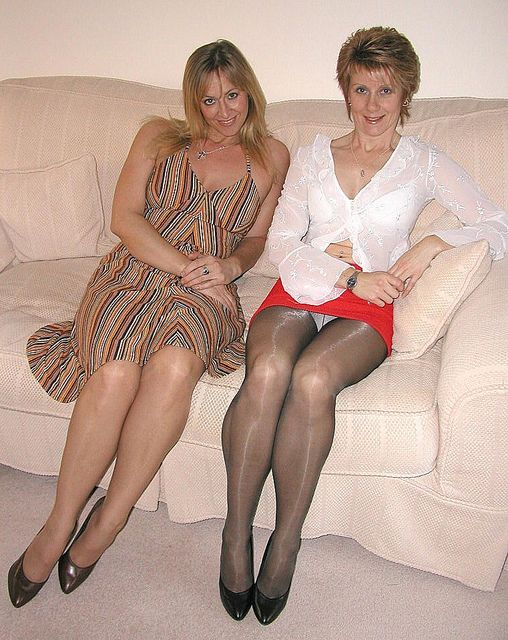 image Mature contenttan shiny pantyhose