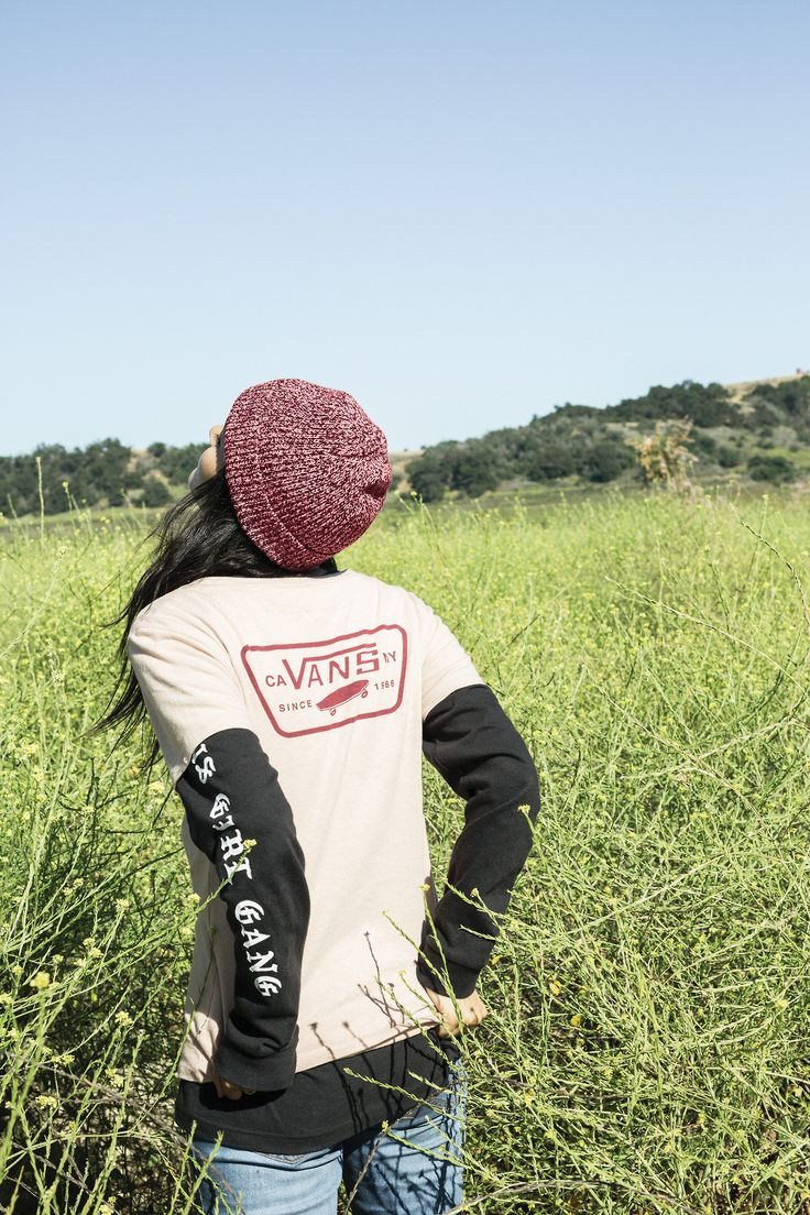 Layer up in the Full Patch T-Shirt, Vans Clan Long Sleeve T-Shirt and Twilly Beanie.