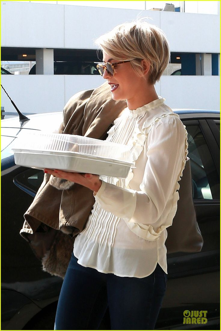 Julianne Hough. maybe one of these days i'll be brave enough to have this haircut