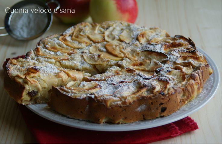Torta di mele, con ricotta ed uvetta, uno dei dolci più buoni che abbia mai assaggiato, lasciatemelo dire. Un impasto morbido di ricotta con tante mele.