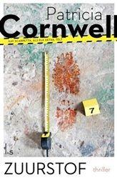 Zuurstof Studente vermoord: geen sporen   Op het sportveld van het MIT wordt een lijk gevonden. Het is van Gail Shipton, een studente informatica. Haar lichaam is bedekt met een felgekleurd fluorescerend poederlaagje. http://www.bruna.nl/boeken/zuurstof-9789021805863