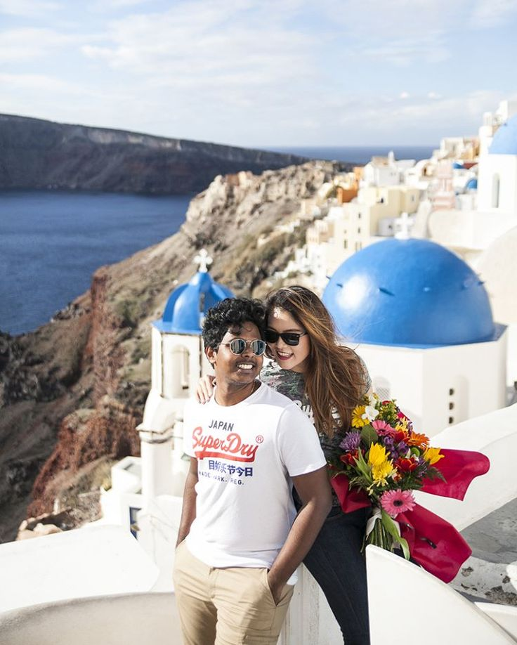#anniversary #honeymoonphotography #santoriniphotographer #photoshoot #santorini #greekisland #couplephoto #couples #inlove #santoriniphotography #honeymoon #engagementphotography #oia #couplephotography #bluedomes #oia http://www.evarendl.com/