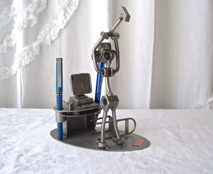 Metal Sculpture Computer Smash Tech Repairman by Hinz & Kunst Desk Pen Holder