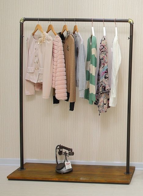M s de 1000 ideas sobre percheros vintage en pinterest - Colgador de ropa de pie ...