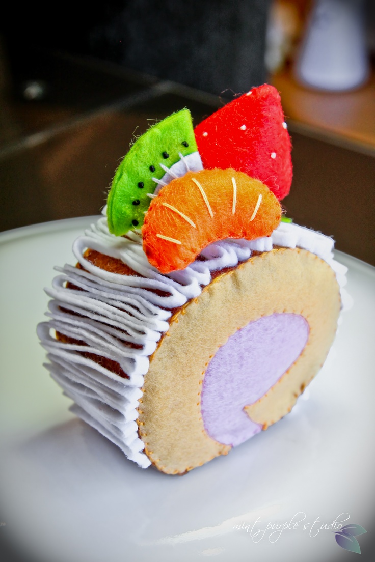 fresh fruit sponge roll felt cake from DIY template by mint purple studio