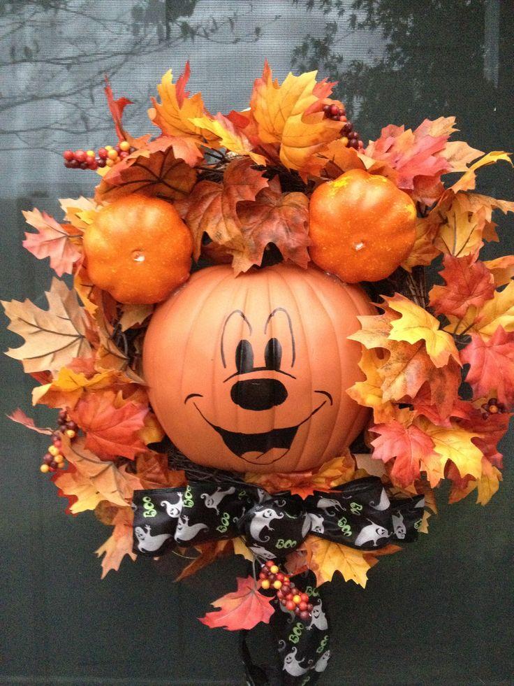 Mickey wreath for Halloween
