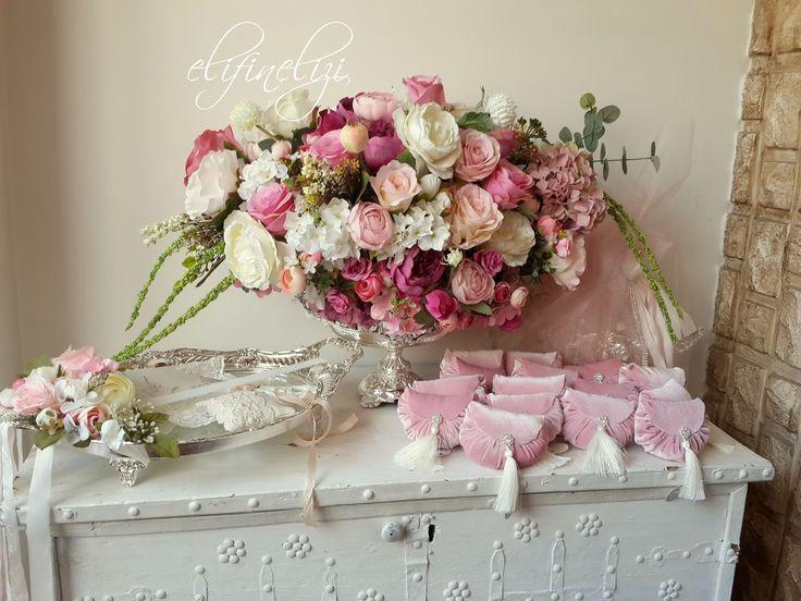 Sevgili İpek için hazırladığım nişan tepsisi Nişan Çiçeği Mutluluklar diliyorum .