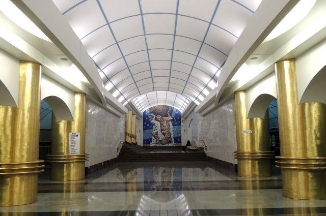 Метро Санкт-Петербурга переходит на светодиодное освещение.  #энергосбережение #светодиодное #освещение #питер #метро
