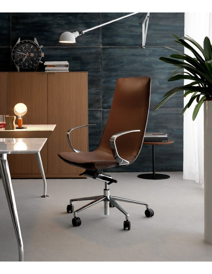 Amelie Executive office chair, brown leather by Quinti Sedute