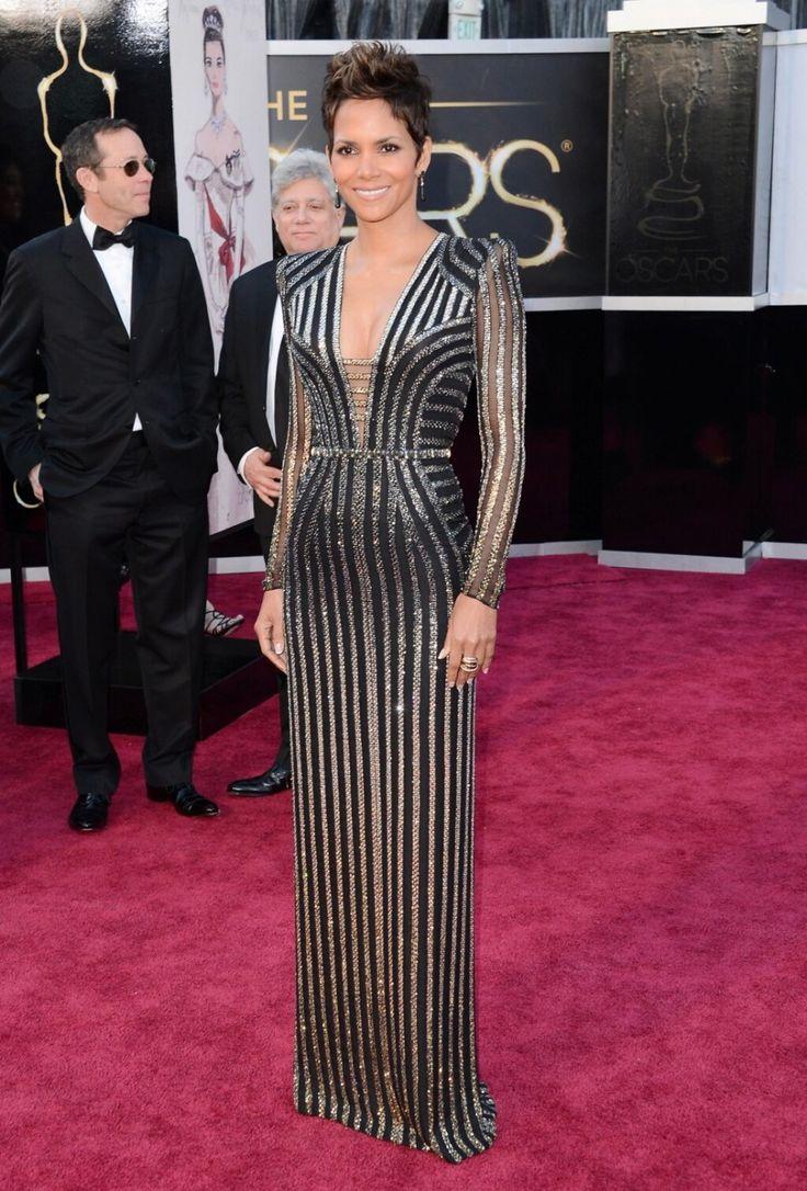 Halle Berry en Versace