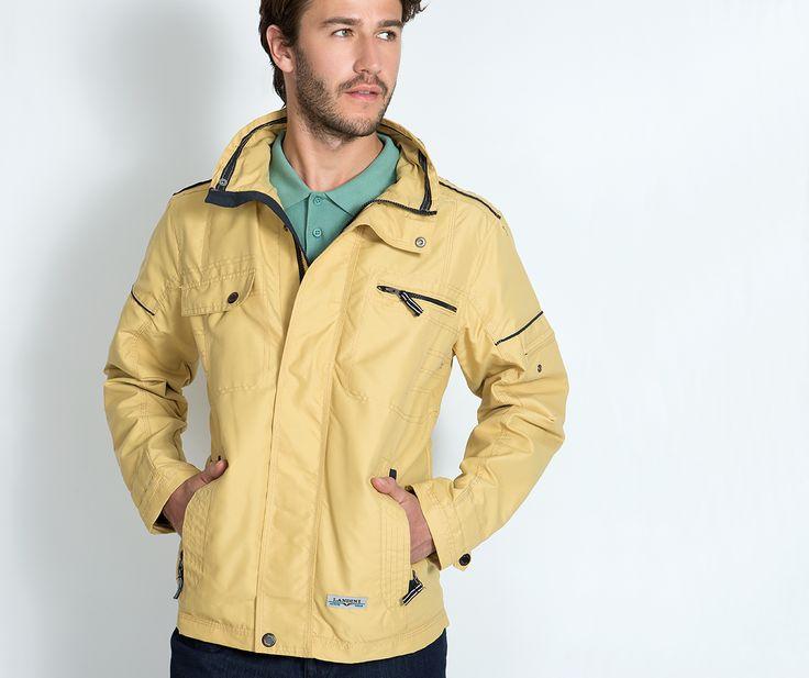 Spring's sporty chic! Μην σε ξεγελάει ο καιρός. Μετά την δύση του ηλίου... το κρύο επανέρχεται! Ένα lightweight jacket θα σε προστατέψει και θα σου χαρίσει stylish εμφανίσεις!