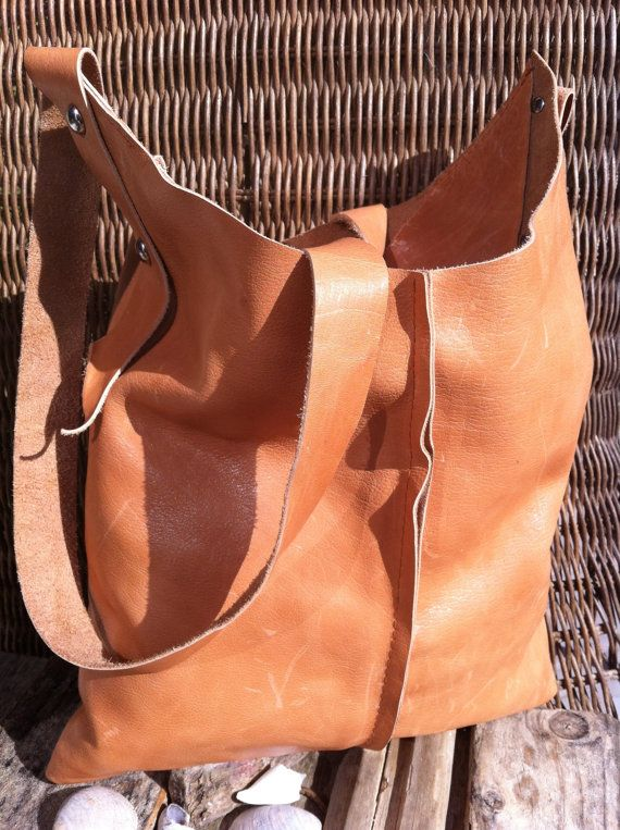 Handmade Basic Bag Leather Handgemaakte Tas door CharezzaLeather, €79.00