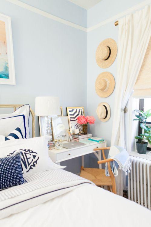 Lauren nelson s adorable bedroom makeover bedrooms for Beach apartment decor