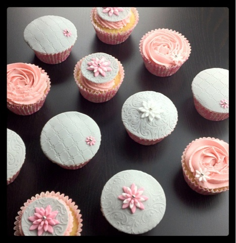 Grey and pink pretty cupcakes