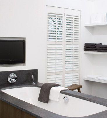 Shutters zijn geschikt voor diverse raam situaties, niet alleen rechte ramen maar ook voor boog, trapeze- en cirkelvormige raamsituaties. Daarbij lenen shutters zich uitermate voor badkamers.