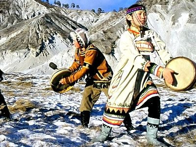 ewenkikult.jpg (400×300) - Ewenki or Evenki costumes ( formerly known as Tungus or Tunguz; Mongolian: are a Tungusic people of Northern Asia (thank you for the correction esfin chan)