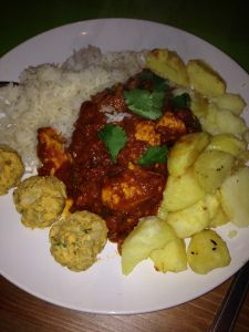 Slimming world syn free Chicken Madras curry recipe! One of my favourites!