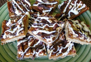 Long kitchen, Pecan bars and Chocolate drizzle on Pinterest