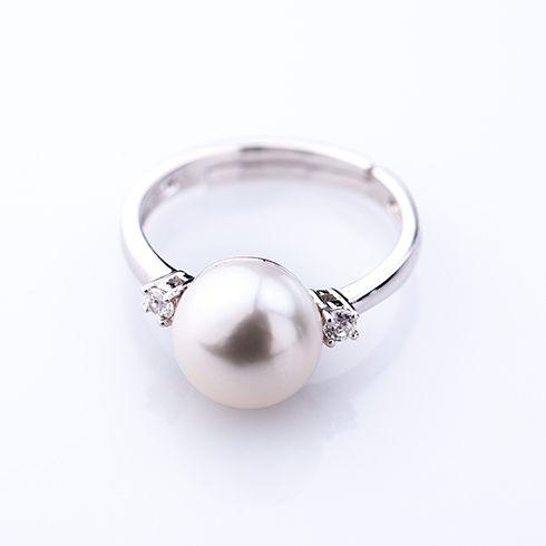 #Bijuterii cu perle Inel din argint cu perla C171