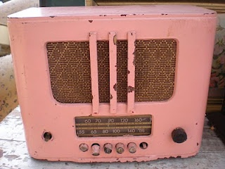 old pink radio ~ love this with all it's years showing :)