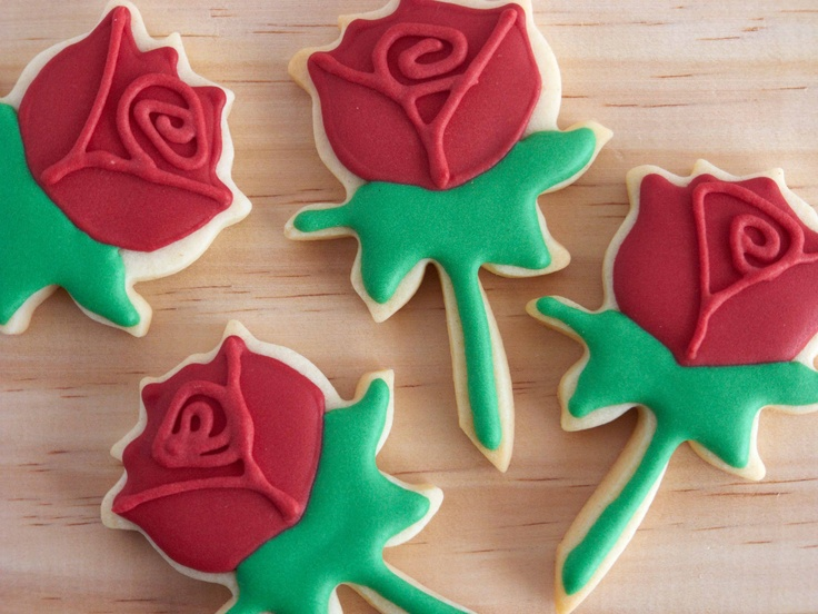 Rose Cookies for St. George's Day  http://www.ifeelcook.es/post/21616187418/sant-jordi