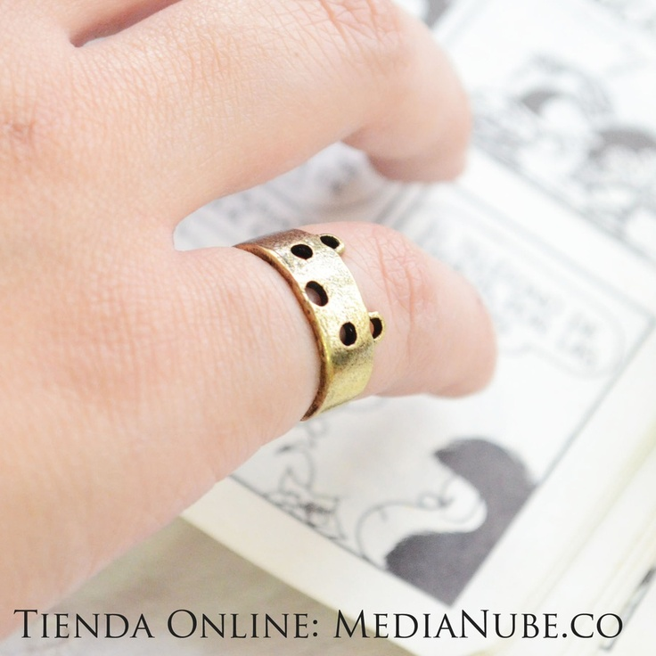$12000 - Anillo para dedo meñique de osito | Media Nube, a la venta en http://medianube.monomi.co/products/anillo-para-dedo-menique-de-osito/