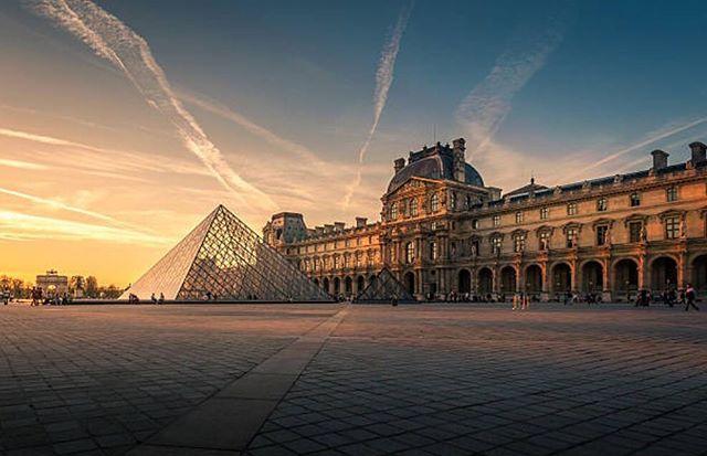 📍DÜNYANIN EN İYİ MÜZELERİ Gittiğiniz ülke yada şehri tanımak istiyorsanız öncelikle o bölgedeki müzeleri gezmelisiniz. Siz de eğer benim gibi müze tutkunu iseniz bu yazı ilginizi çekecektir. Toplumsal tarihi, kültürü, bilimi, sanatı ve geçmişe dair ne varsa hepsini müzelerde bulabilirsiniz. Dünyada çeşitli noktalarında birbirinden ilginç konseptte müzeler mevcut. Bulundurduğu tarihi eserler, konseptleri ve dizaynları gibi bir çok parametreye göre listelenen bu müzeler, gideceğiniz…