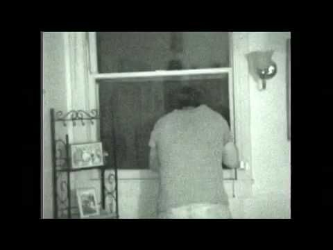 This is it! The REAL Stan Romanek Alien Video - YouTube   Start at 1:35 to see the alien's head bob up and down....