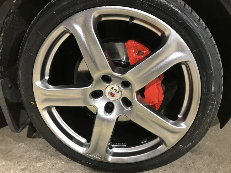 Big Audi Q7 in for wheel refurbishing and hubs and brake calipers re-done to really tidy up the look and whole appearance of the vehicle.  Get yours booked in now that we have had one day of sunshine to get you motivated! 028 3834 3724.
