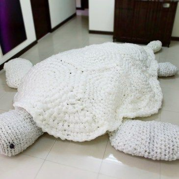 The Worlds Largest Plastic Crochet turtle is the culmination of a 2 year project to raise awareness of the plight of sea turtles. Over 50% of turtles now have eaten plastic, many of them dieing after consuming too much. Artist Annie Hsiao-wen Wang crocheted this turtle our of 100% waste plastic from both industry and domestic sources. For the full story please go to One Brown Planet. #plasticpollution #turtle #crochet #amigurumi #thailand #onebrownplanet