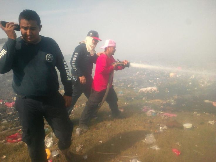 Logran Controlar Incendio del Basurero de San Blas