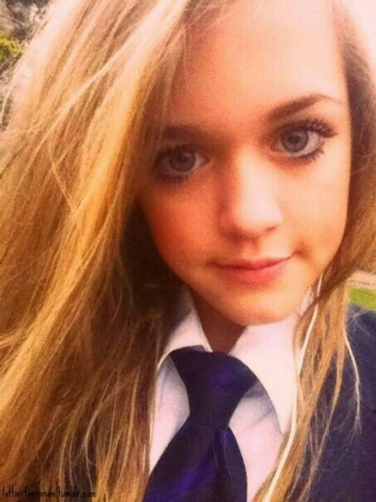 Lottie Tomlinson She Lolls Like A Doll! She's Gorgeous