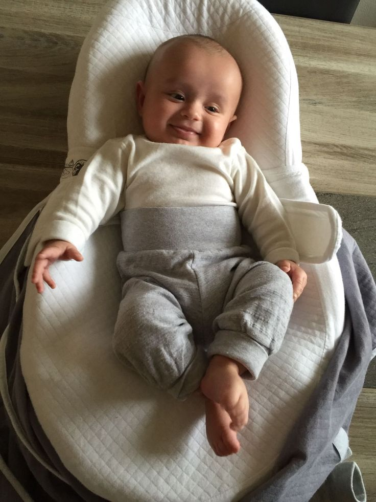 Baby feeling so good in his NBB body and leggings (size 62). Thanks to the mum, who sent us the picture. Bébé se sent si bien dans son body et leggings NBB (taille 62), thank you for the mum, who sent us the picture.