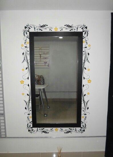 Espejo decorado adhesivo