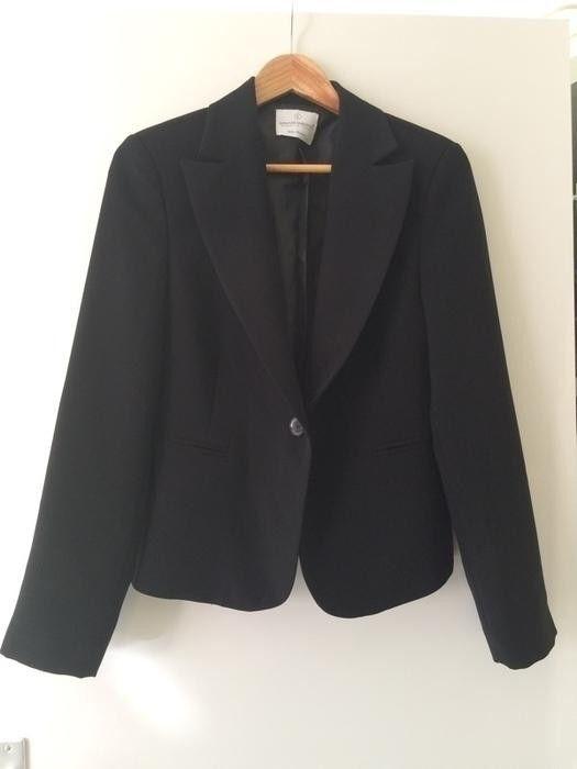 Mijn Zwarte blazer maat L van Rinascimento! Maat 42 / 14 / L voor $35,00 €. Check it out: http://www.vinted.nl/dameskleding/colbertjes/21684-zwarte-blazer-maat-l.