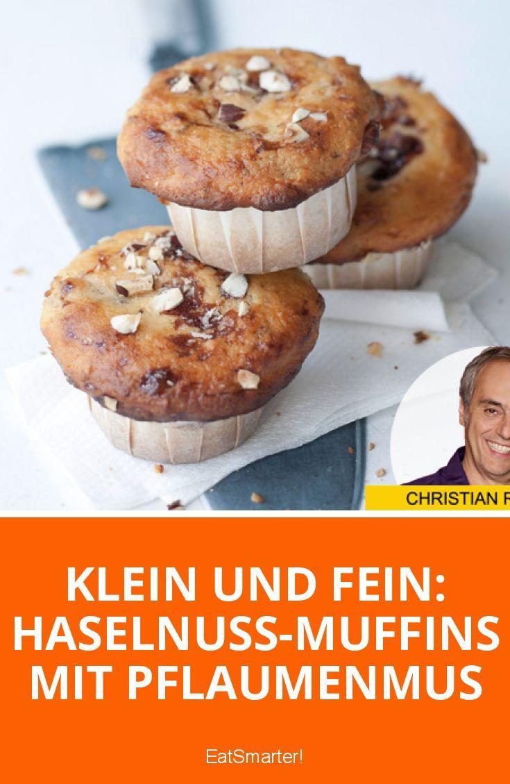 Klein und fein: Haselnuss-Muffins mit Pflaumenmus | eatsmarter.de